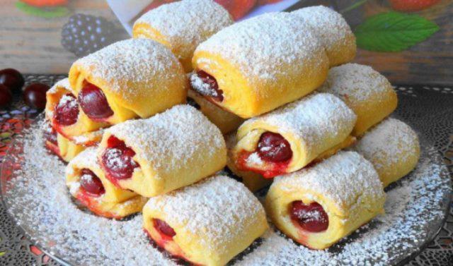 «Вишни под снегом» за 30 минут — невесомое и хрустящее печенье с кислинкой.